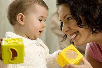 Tagesmutter: Eine Form der außerfamiliären Kinderbetreuung