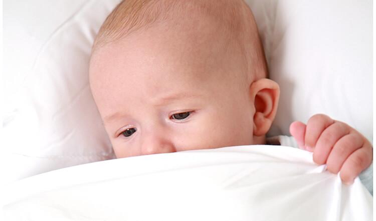 sicherer babyschlaf das m ssen eltern wissen. Black Bedroom Furniture Sets. Home Design Ideas
