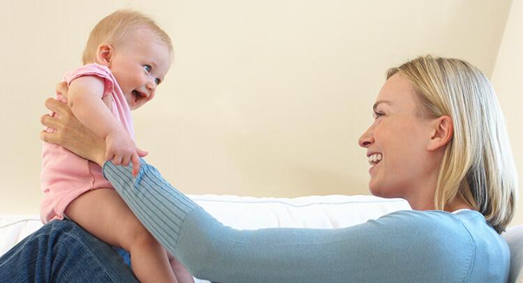 Baby Hält Luft An