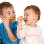 Zähneputzen: So wird die Zahnreinigung Ihres Kindes zum Erfolg